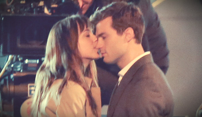 first-kiss-in-50-shades-movie
